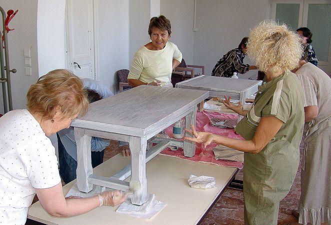 Atelier de peinture sur meubles et objets eure et loir saint victor de buthon 28240 for Peinture sur meubles
