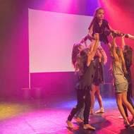 stage d'été à Envol de Plumes du 24 au 31 aout , danse, chant, théâtre, gym, acrobatie, GRS, hip hop, zumba, atelier créatif.