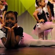 Cours de danses au Centre James Carlès