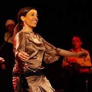 """CDAEC présente un stage de danse égyptienne """"Le solo de tabla, entre ancrage et suspension"""" avec Saâdia Souyah"""